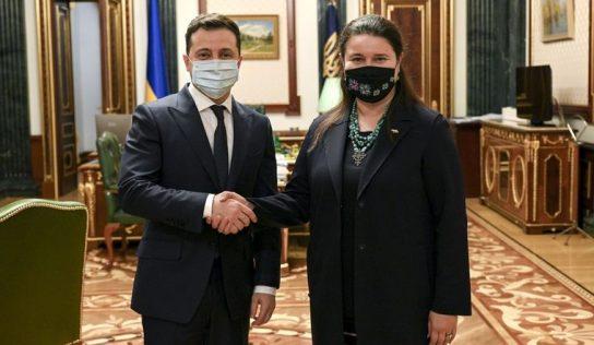 Посол Украины в США Оксана Маркарова безбожно отмывает деньги